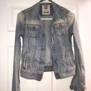 Brandy Melville distressed denim jacket